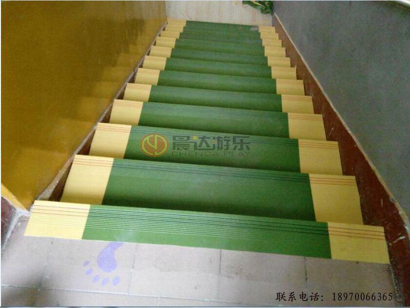 幼儿园台阶PVC实物图
