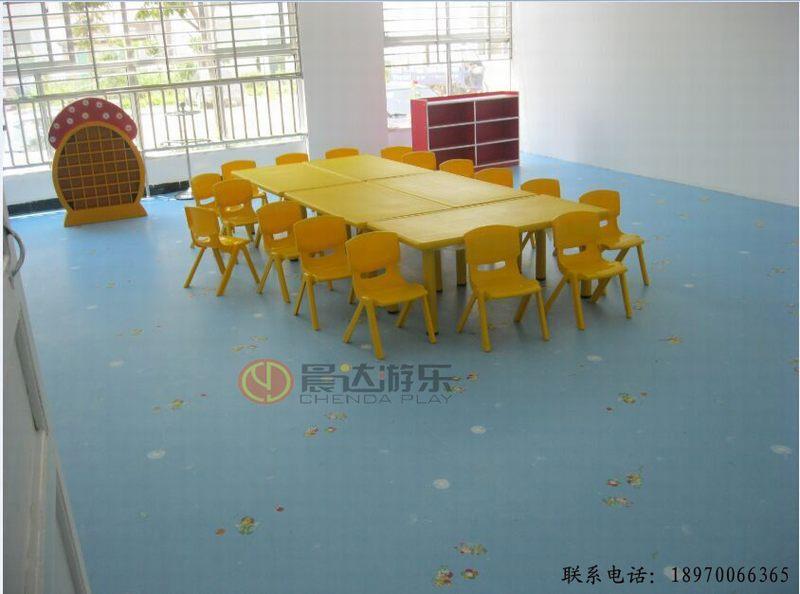 幼儿园教室PVC地板