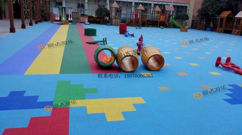 幼儿园悬浮地板3