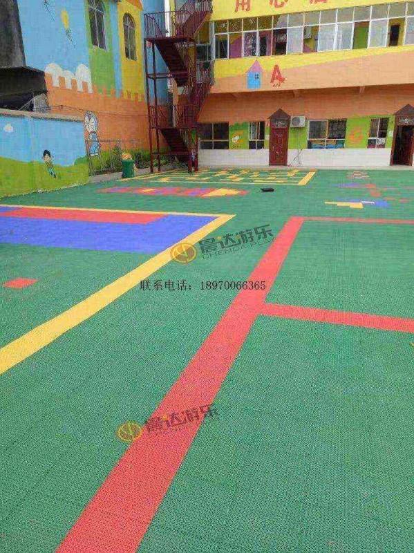 幼儿园悬浮地板2